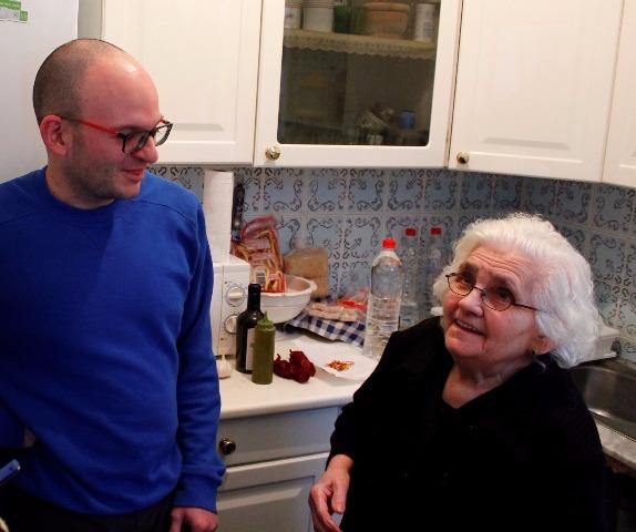 Sobre mi abuela, el ajo cocío y la tradición gastronómica de Arahal en tiempos de penurias
