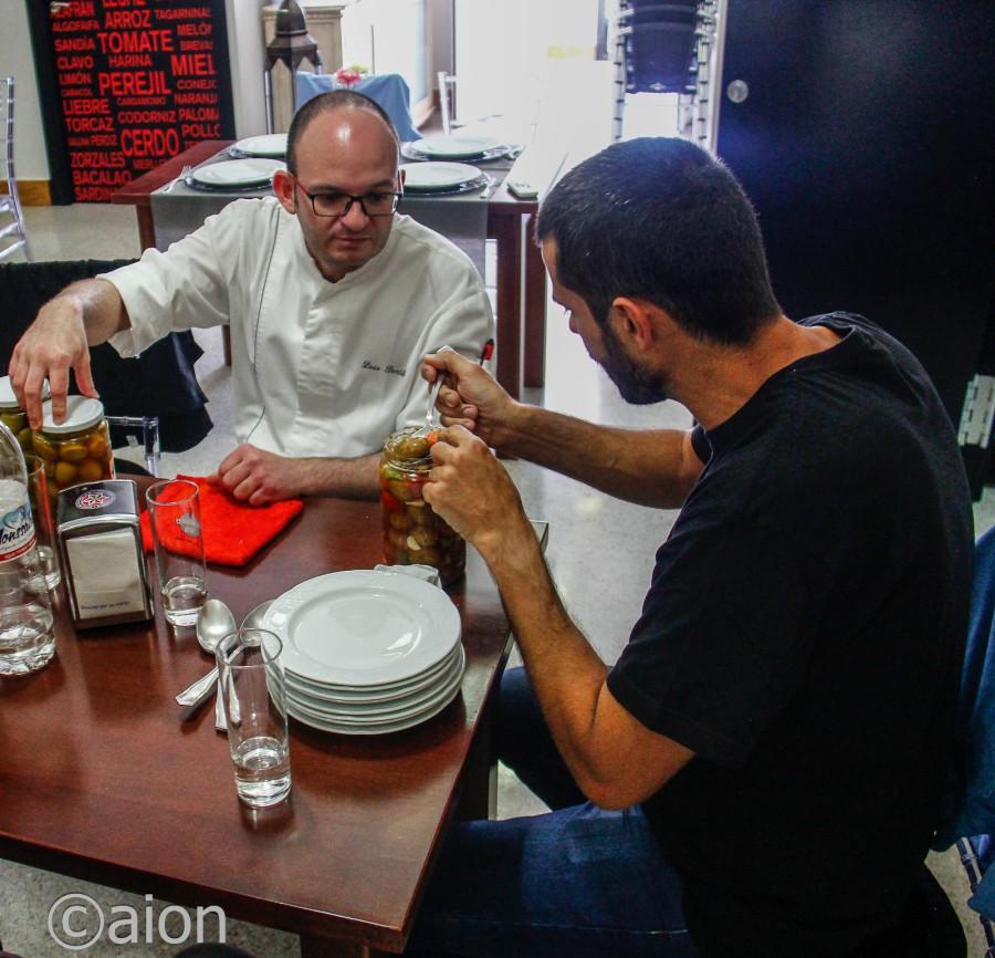 Enrique Sánchez visita El Pulpejo para probar productos que promocionará en su nuevo Restaurante Tragaldabas