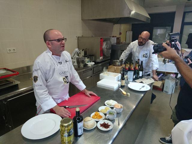 Con Garum en Madrid cocinando con el alumnado de la Escuela Superior de Hostelería