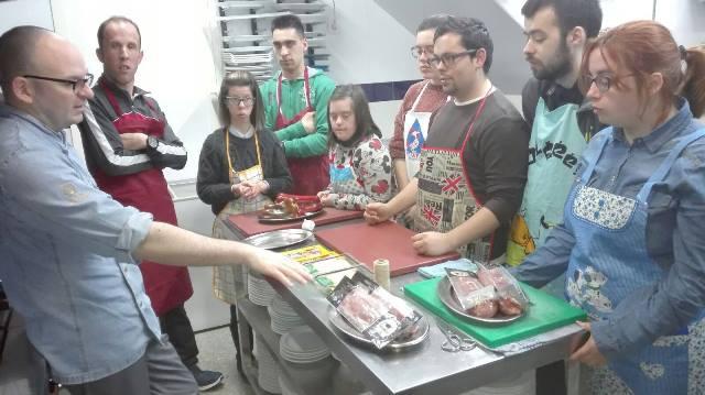 Sobre como mejorar la autonomía en la cocina para un alumnado con mucho interés por aprender